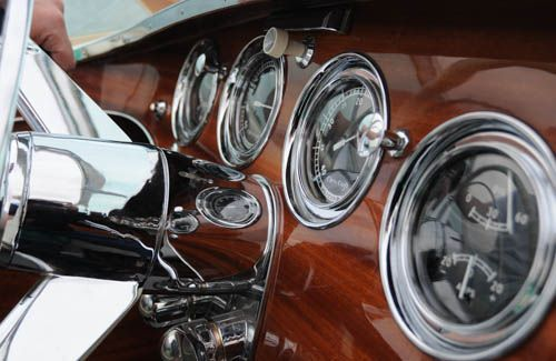 Riva Tritone classic boat instruments and steering wheel