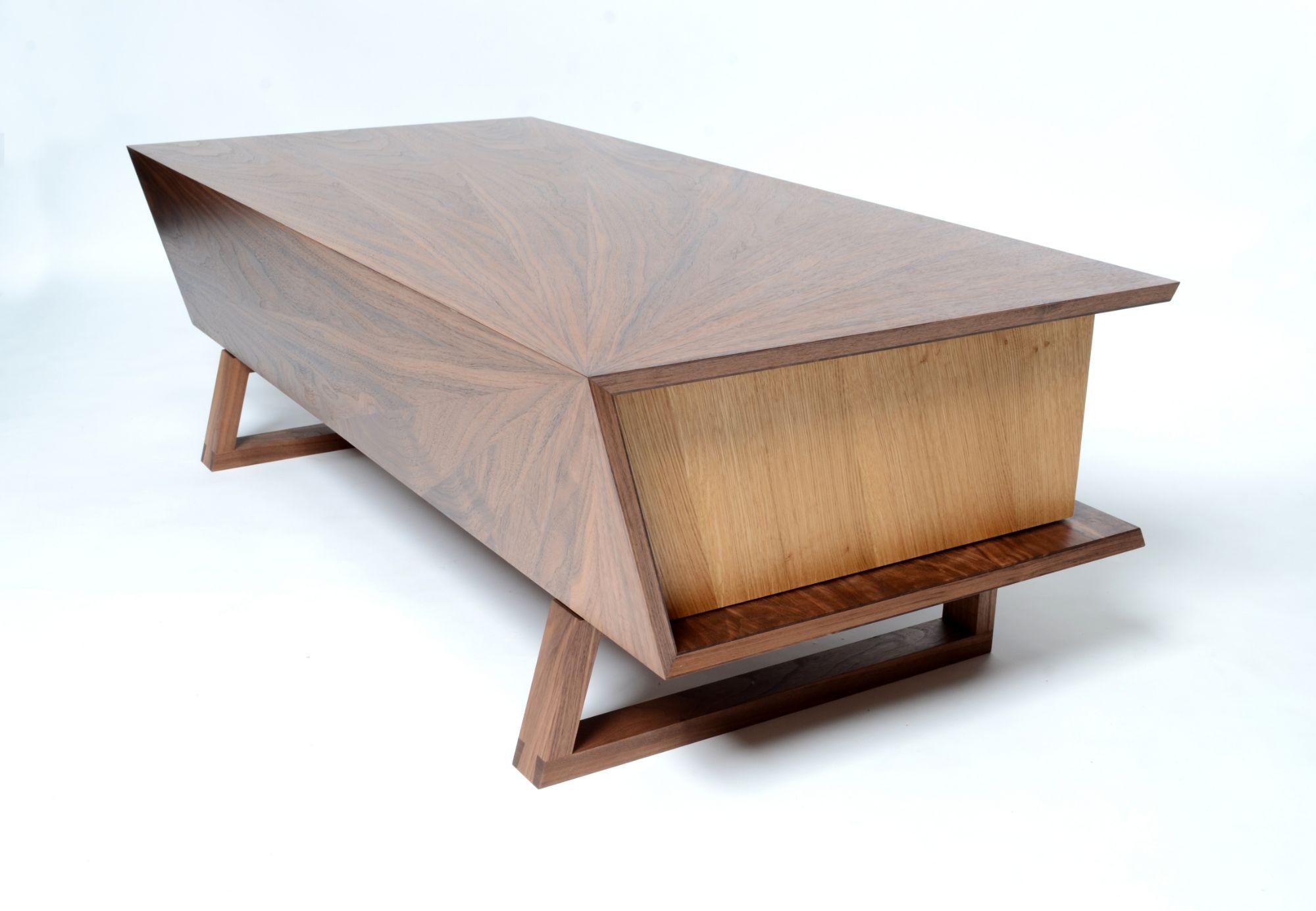 Coffee table in walnut and oak