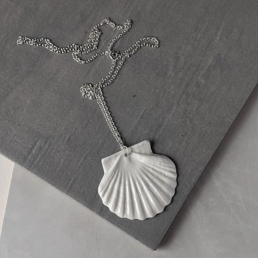 Scallop Shell Necklace | Statement