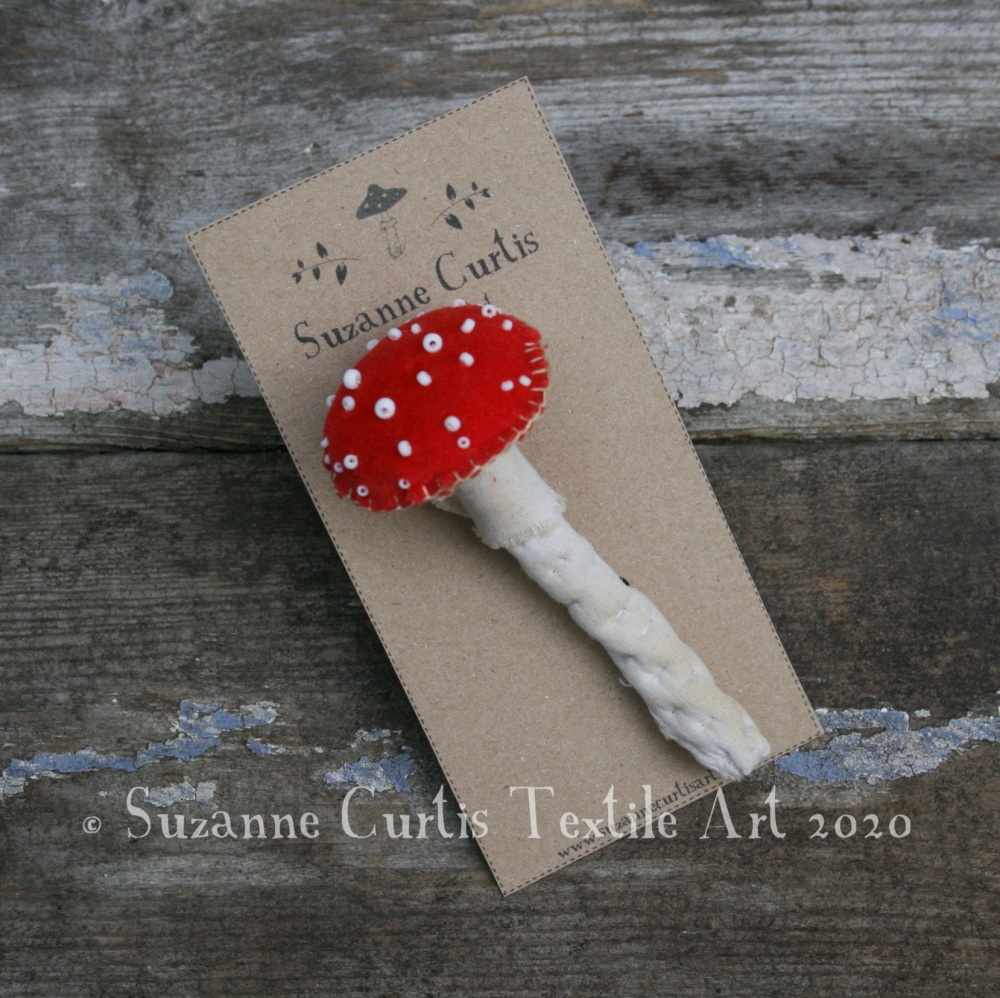 Fly Agaric Toadstool Brooch 01