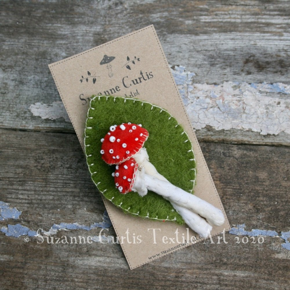 Fly Agaric Toadstool and Leaf Brooch 02