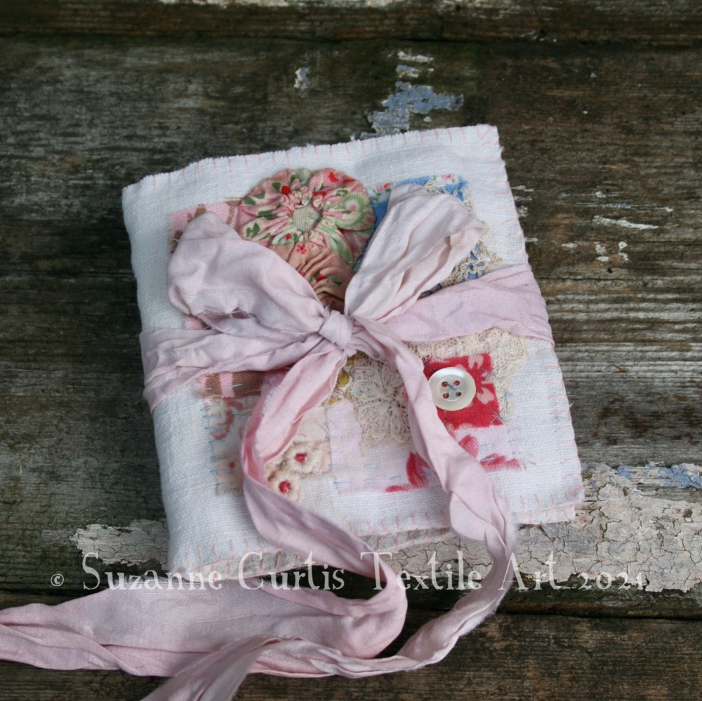 Textile Needle Book - Ivory Vintage and Ditsy