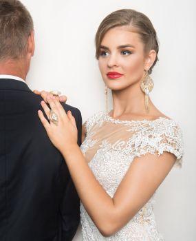 Lisa bridal image