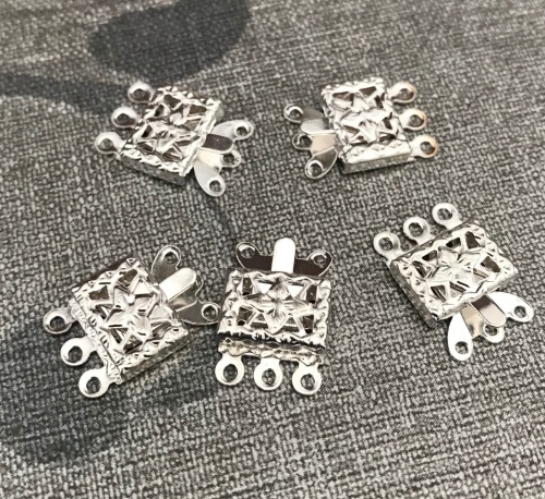 5 Pack of 3 Strand Box Clasps