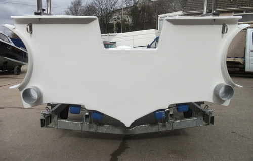 outside transom rib
