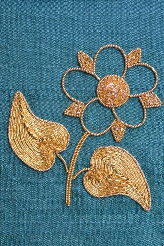 Beginners Goldwork Dog Rose