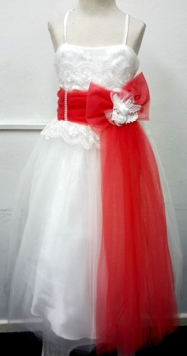 P013CORAL, A beautiful sleeveless girls party dress £15.95.  pk6....