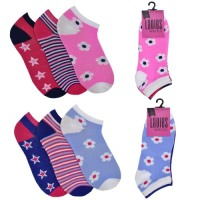 SK485, Ladies 3 in a pack design trainer socks £0.75.  8pks.....
