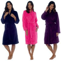 LN620C, Ladies coral fleece plain robe £7.90.  pk18..