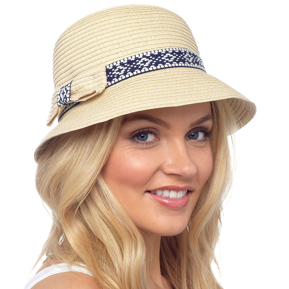 GL725, Ladies bucket hat with bow detail £2.40.  pk48...
