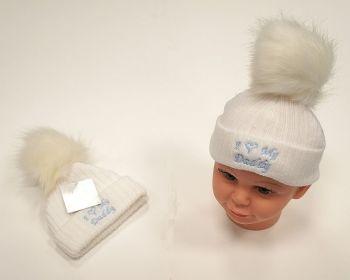 BW471, Baby Boys Knitted Pompom Hat - I Love Daddy £2.75.  PK6..