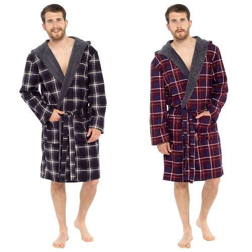 HT045, Mens Printed Flannel Robe With Fleece Lined Hood £7.75.  PK12..