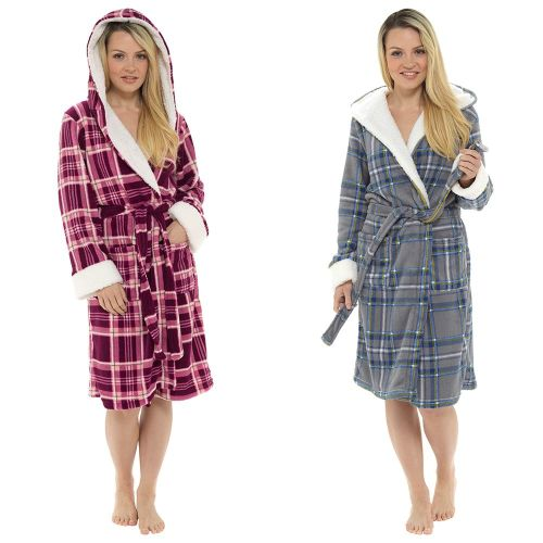 LN1031, Ladies Check Print Hooded Fleece Robe With Sherpa Trim £9.50.  pk12..