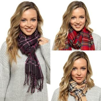 GL581A, Ladies Check Scarf £2.00.  PK12..