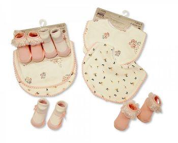 GP1021, Baby Bibs and Socks Set -(2 Bibs, 2 Pairs of Socks) £3.50.  6PKS...