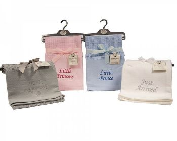 BW1045, Baby Cellular Blanket with Embroidery £4.95.   PK2....