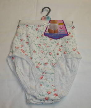 RIB1, Ladies 3 in a pack ribbed printed full briefs £1.81.  1 dozen..