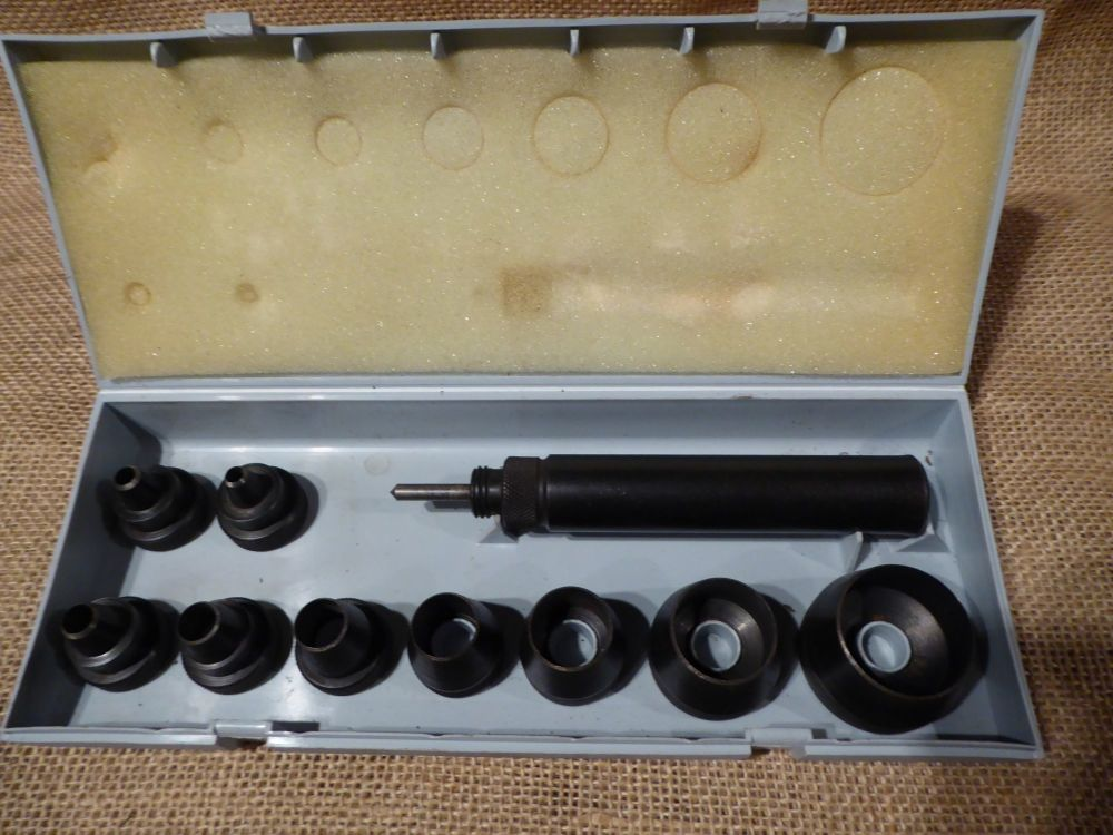 RS 732-139 Metric Wad Punch Kit - 5-32mm