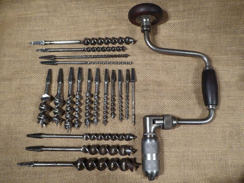 Millers Falls No.732 Ratchet Brace With 18 Various Maker Bits