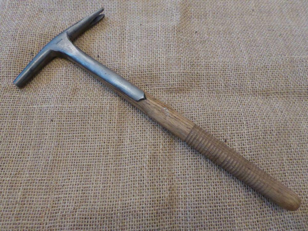 H Brindley Ltd Saddlers Strapped Hammer