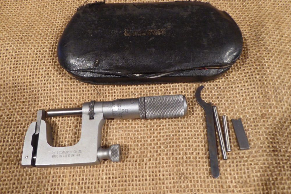 "The L S Starrett Co. Ltd No. 220 Anvil Micrometer 0-1"" - Made In Great Britain"
