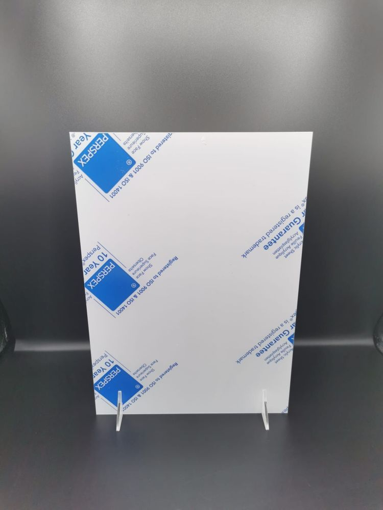 A4 white plaque with stands - pack of 1, 4 or 8