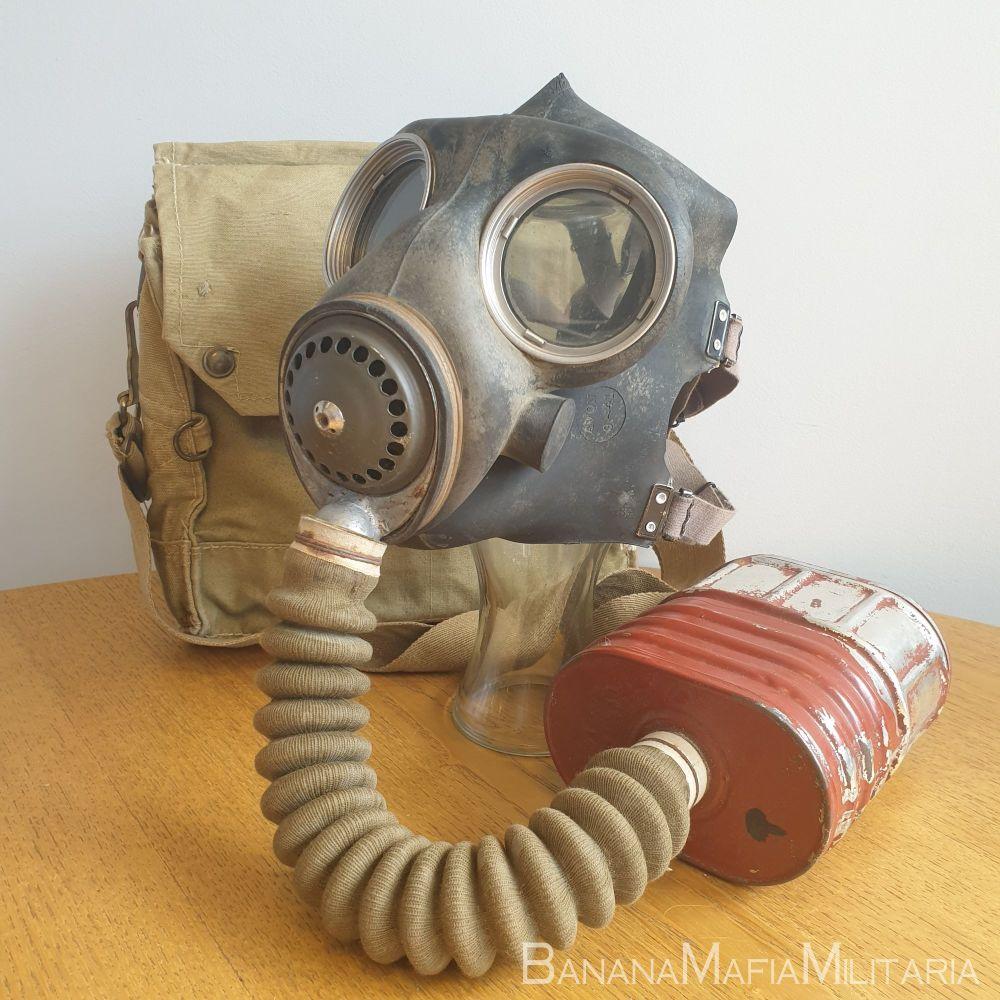 MK V GSR - British WW2 general service respirator Mark 5 with Type E Mk VI filter
