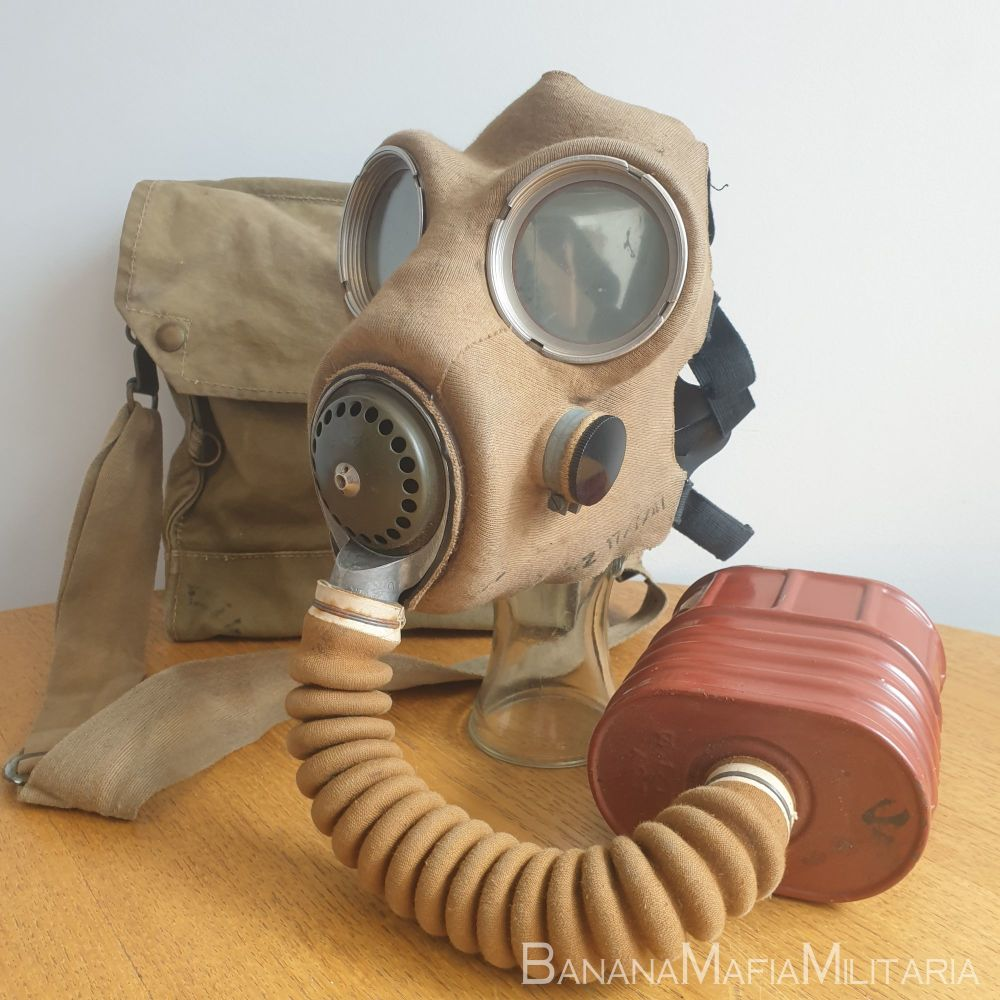 MK IV SPECIAL T-Mic GSR - British WW2 general service respirator Mark 4 with filter