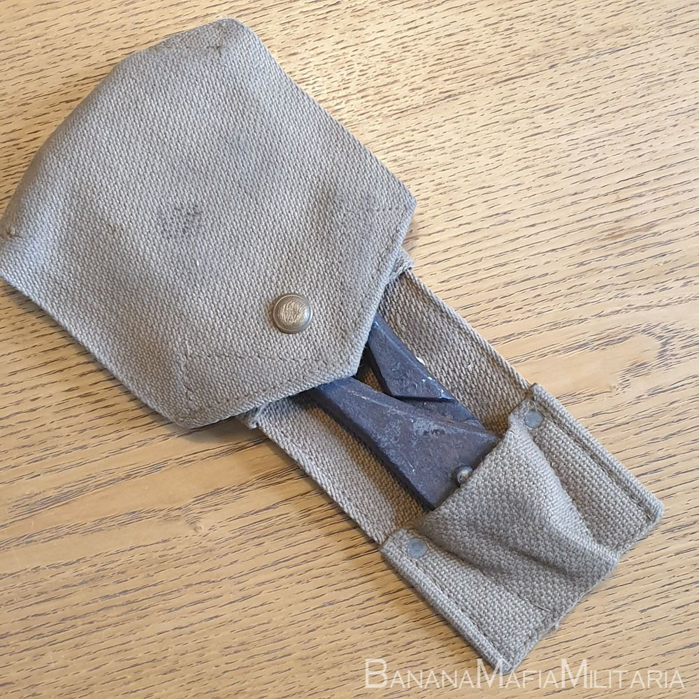 British Army wire cutters in webbing pouch - Meco 1940