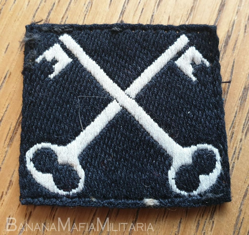 British Army Divisional Sign / Formation Badge - 2nd INFANTRY DIVISION