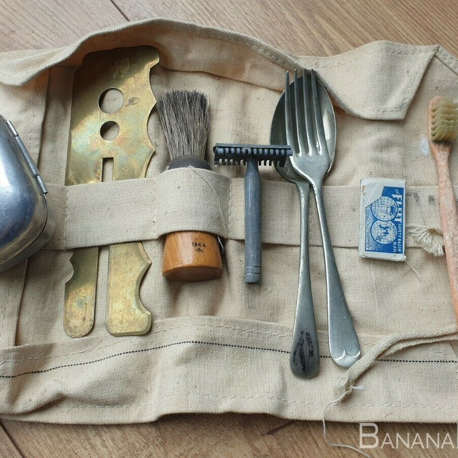 british army soldiers kit - wash roll with contents ORIGINAL