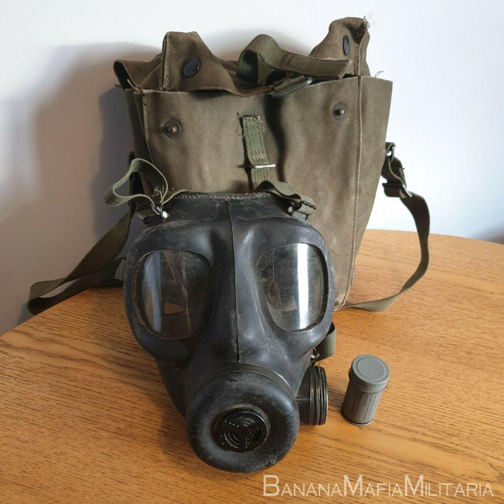 original British Army S6 respirator gas mask with bag size S