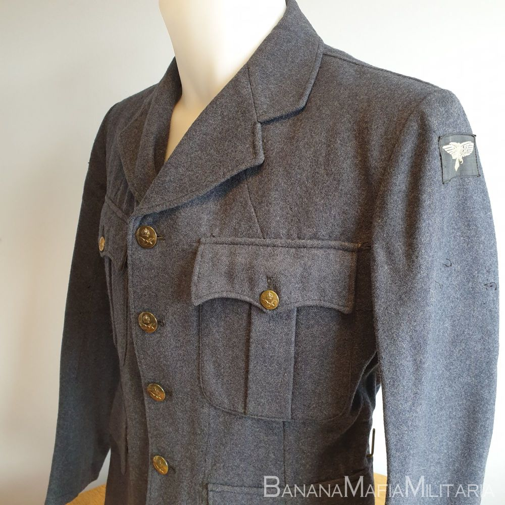 WW2  - RAF Service Dress Jacket, Other Airmen O.A. 1942 dated and badged