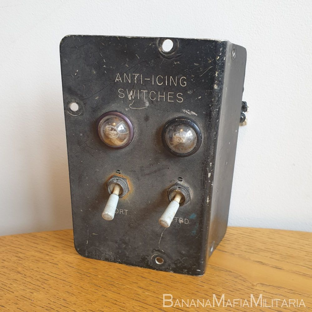 Canberra T22 Aircraft RAF WH801 control panel Anti-Icing Switches