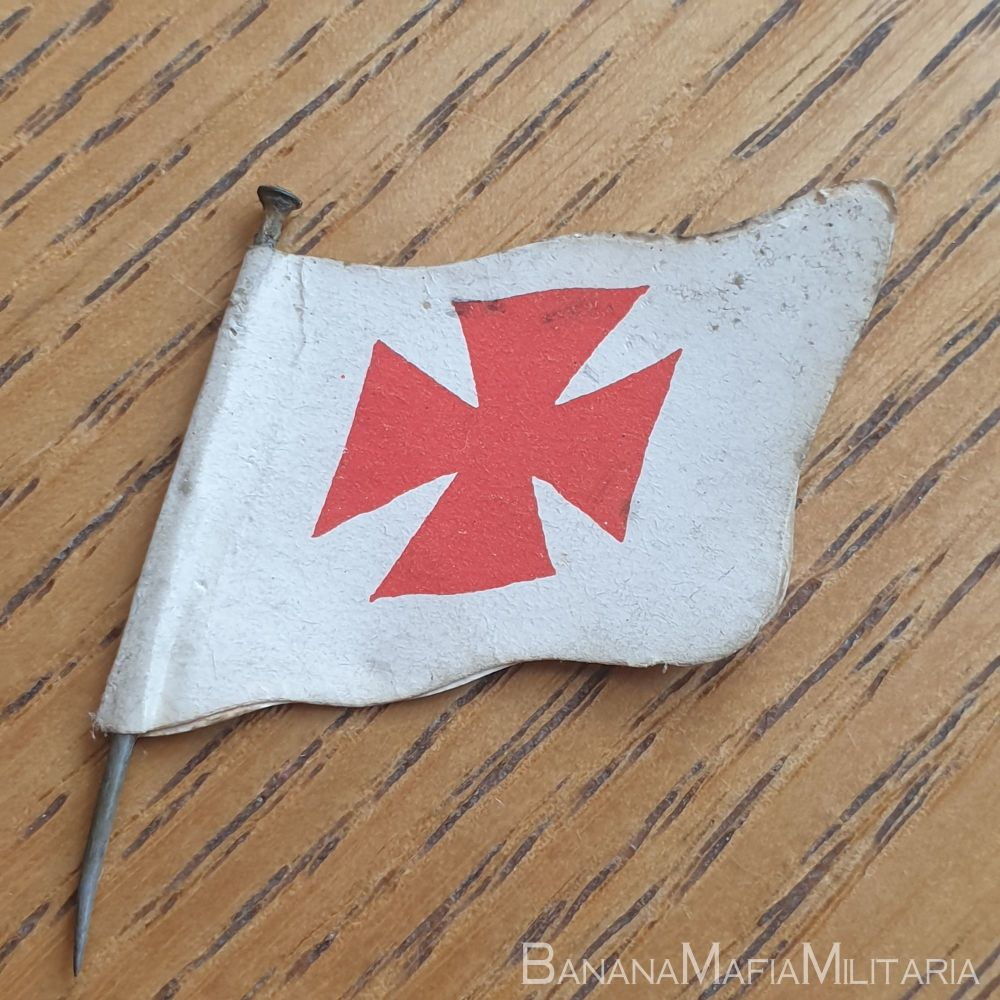 """ww1 fundraising """"flag day"""" charity pin badge - Red cross """"wedge"""" pin"""