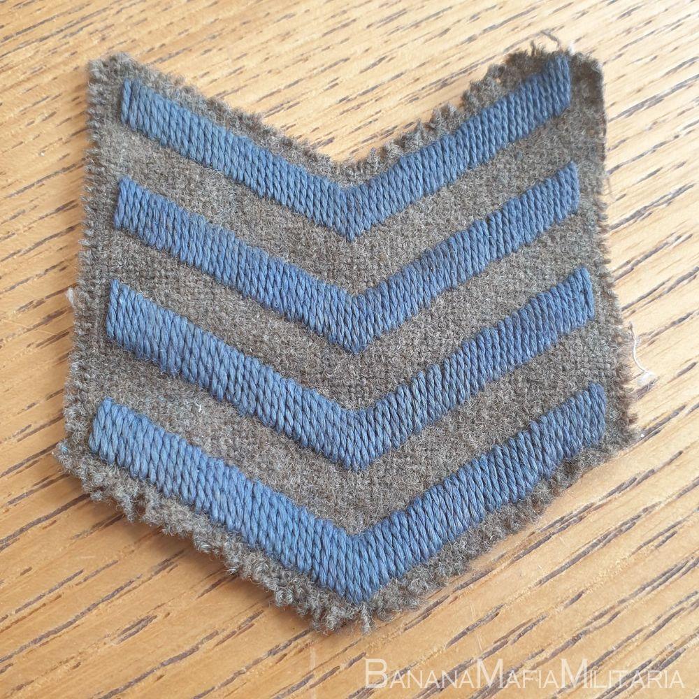 British WW1 overseas service chevrons - 4 year service badge