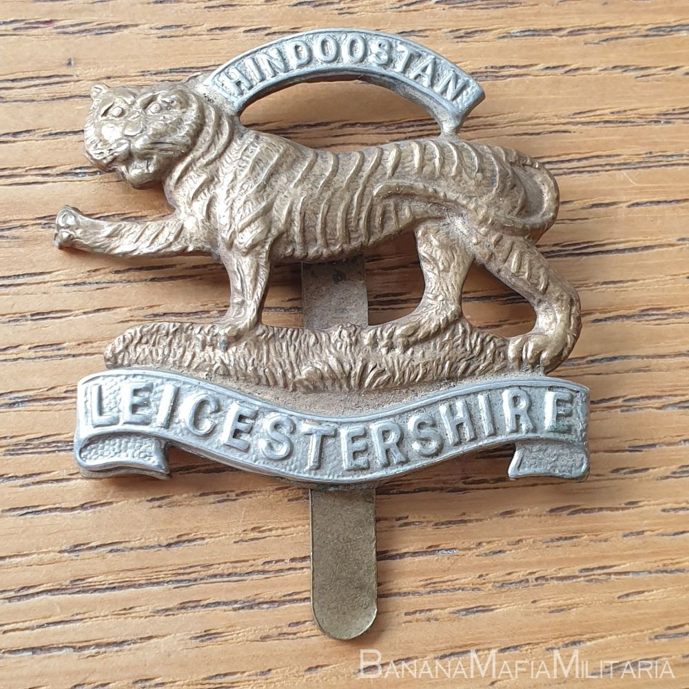 Leicestershire Regiment WW1 Voided Cap Badge on slider