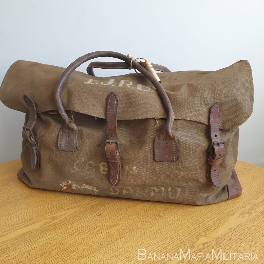 WW2 British Army Officers holdall bag - WW2 Captain Ian J.R. Bennet Royal N