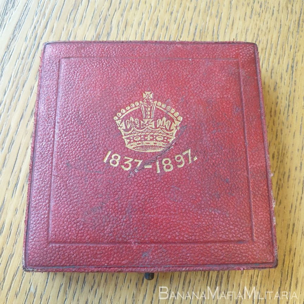 Queen Victoria 1837-1897 diamond jubilee medal in box