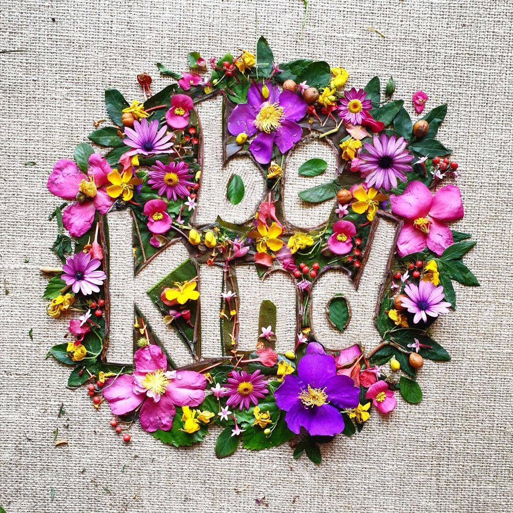 be-kind-creative-text-made-with-flowers-CTYU2UU