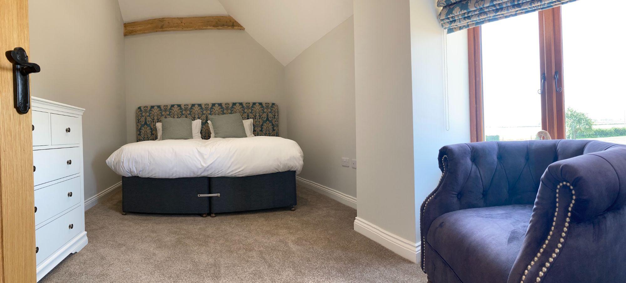 vintage-double-bedroom