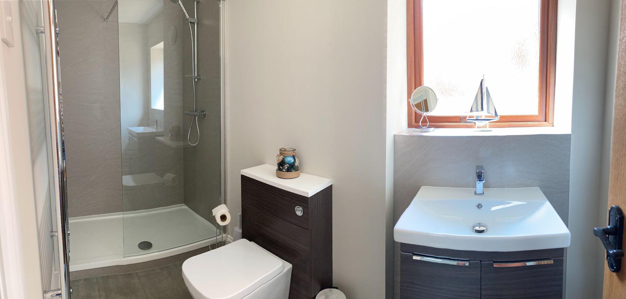 bathroom-in-barley-store.jpg