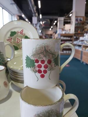 Red Berry larger mug