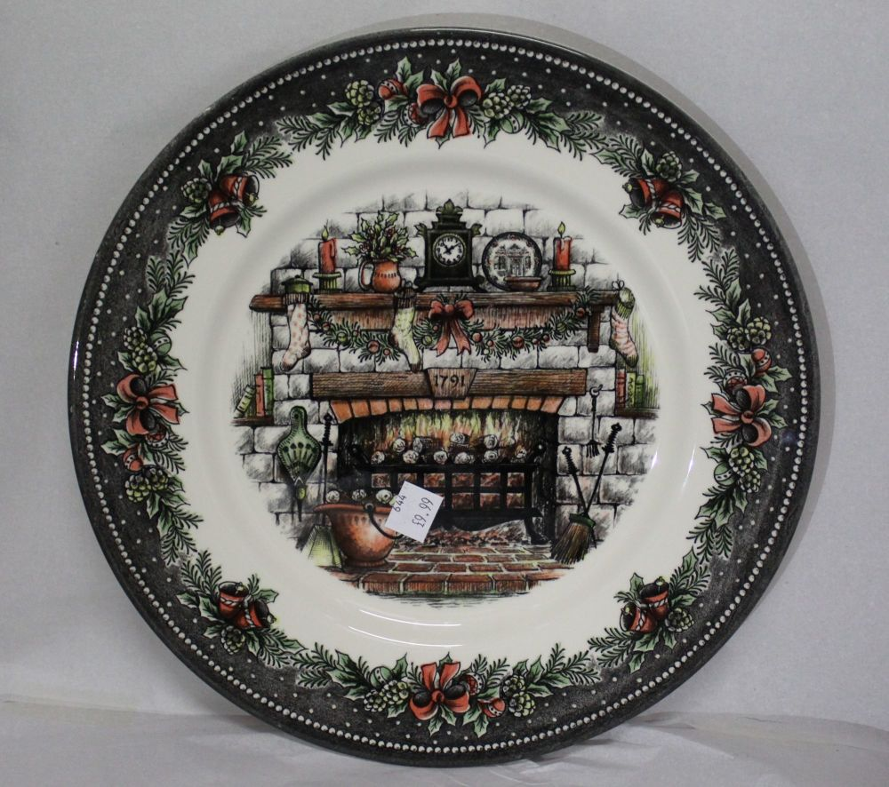 Themed Dinner Plate - Stockings on Fireplace