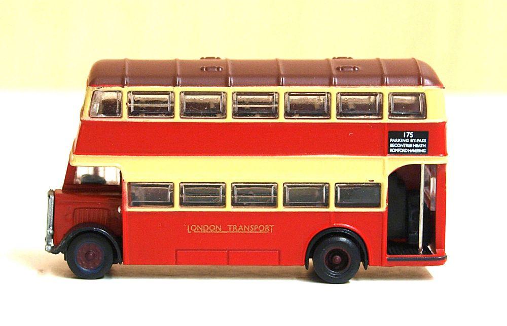 Scenecraft 379-560   Guy Arab II  London Transport