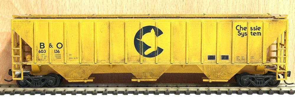 Athearn 5317-SU  54' PS covered hopper