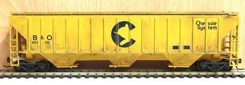 Athearn 5317-SU  54' PS covered hopper