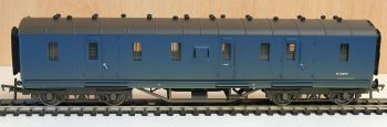 Bachmann 34328A   50ft. Ex-LMS PIII Parcels Van BR Blue Weathered