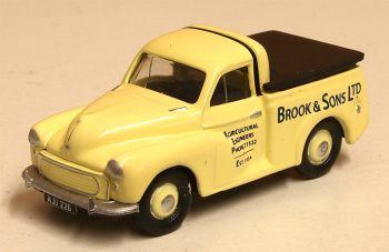 """Classix EM76652  Morris Minor Pick up """"Brook & Sons"""""""