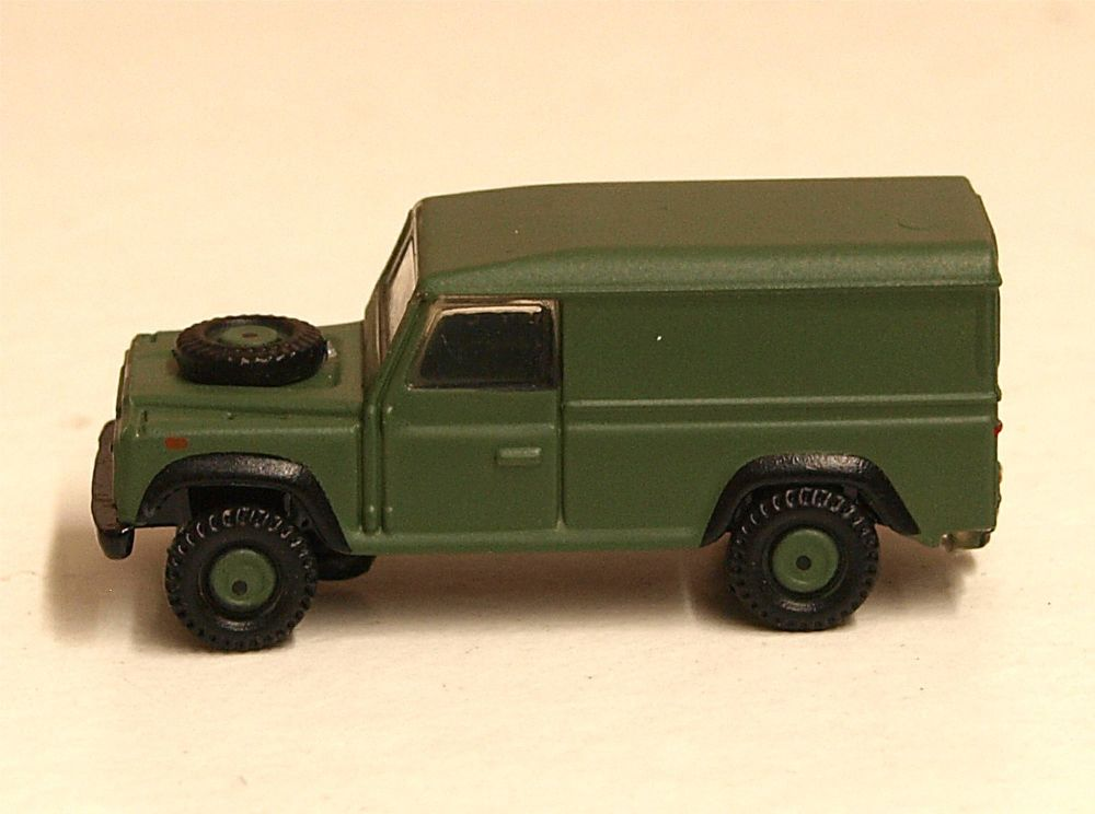 Oxford Diecast NDEF003  Land Rover Defender 110 Hard Top British Army